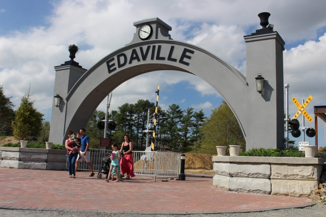 Edaville_Archway_may2015
