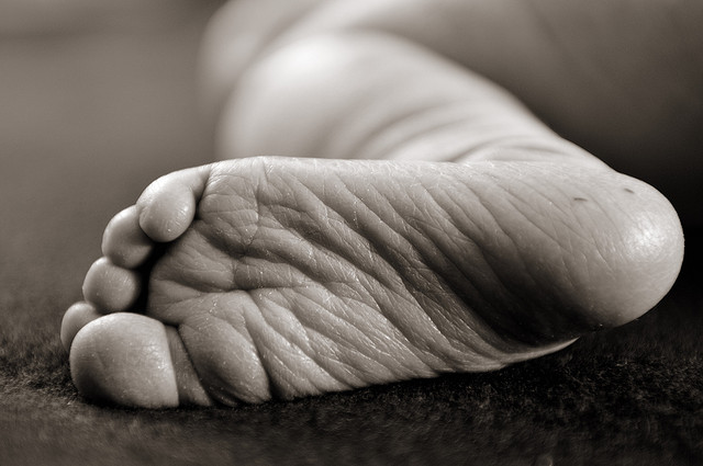 Newborn-photo-close-up-foot