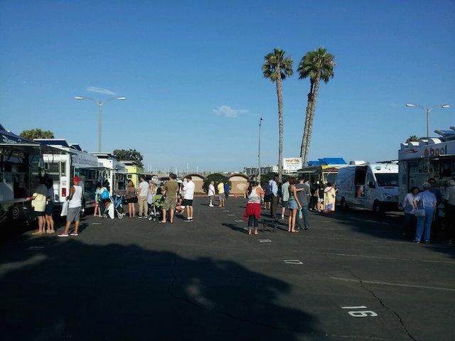 Food Truck Lots Beach Eats
