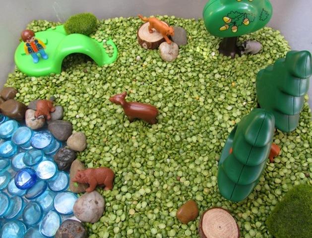 forestanimals_lisettemartin_smallworld_preschooler_national_redtricycle