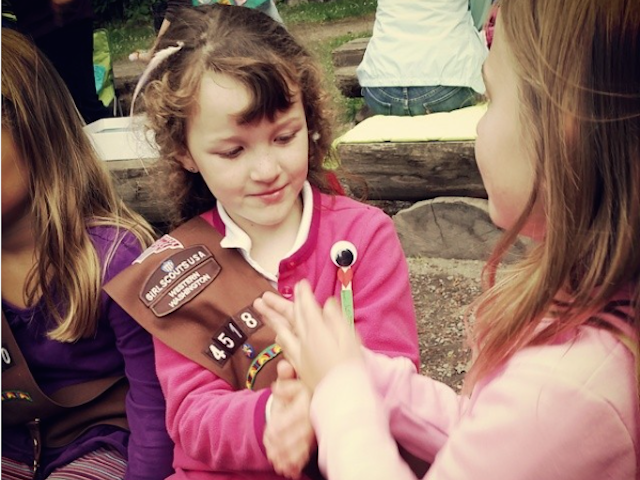girl.brownie.scouts