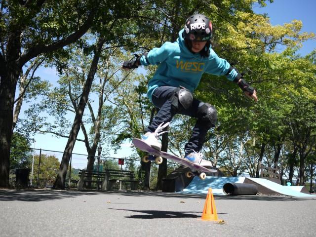 Louie_Skateboarding