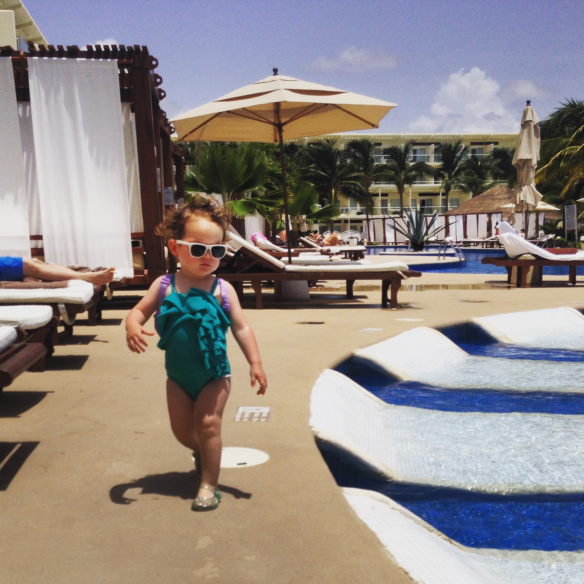 kid-pool_azul