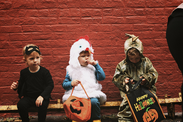 trick or treaters halloween