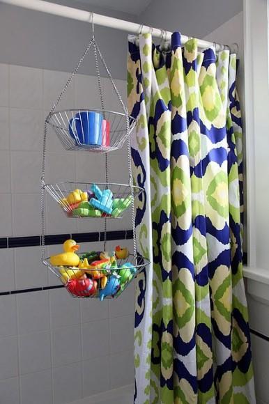 bath-toy-hack-mommyshorts