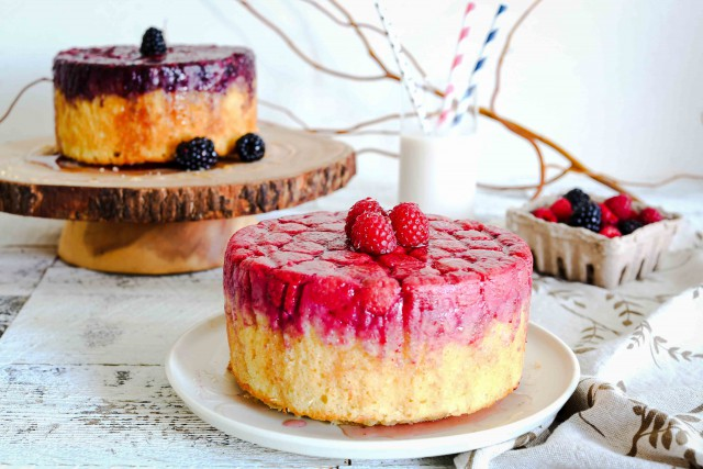 berry-upside-down-cake-1-web