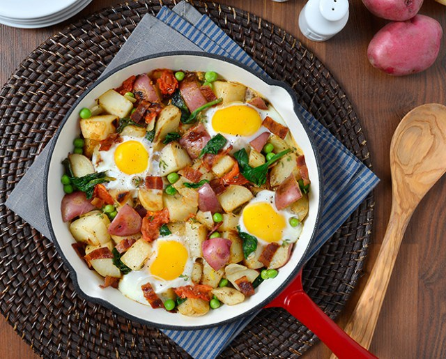 potato-skillet-baked-eggs