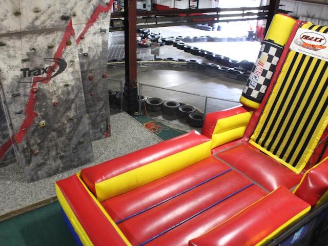 traxx.bouncy.wall
