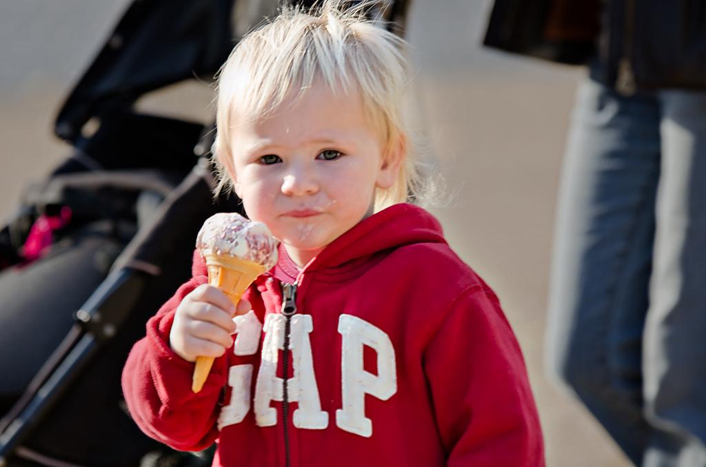kid with icecream-crdt-dc-instagrm