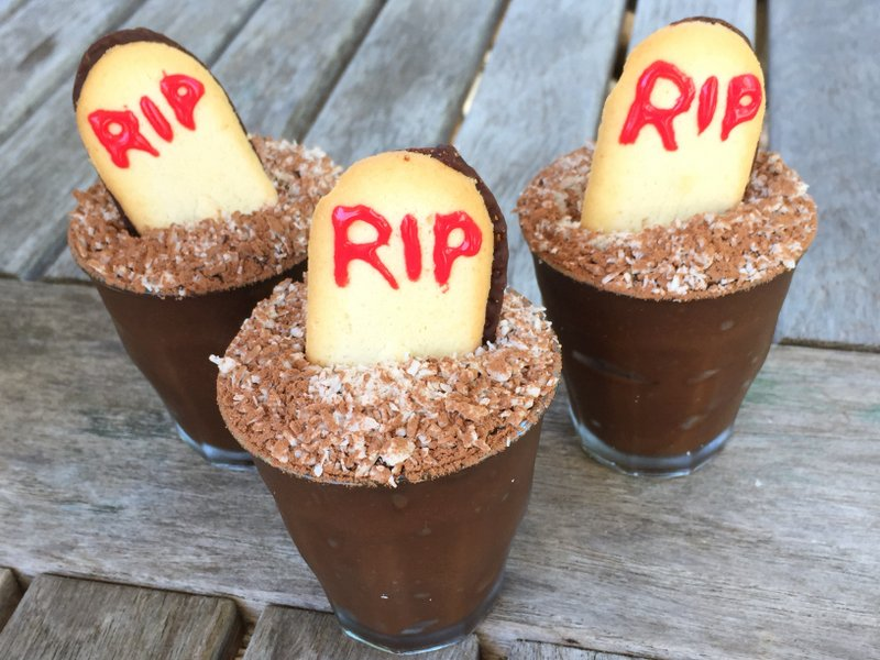 graveyard-chocolate-pudding-cups-jennifer-tyler-lee-52-new-foods-challenge-2