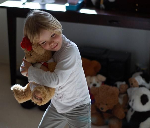 hug-a-bear-ccflickr-gemsling