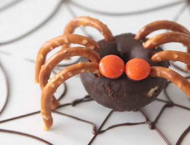 It's Always Autumn - Donut Spider