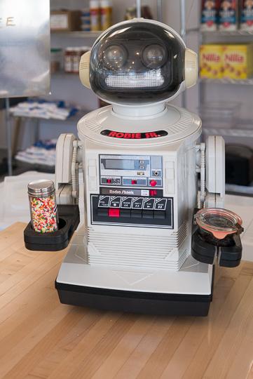 Little Giant Robie Robot