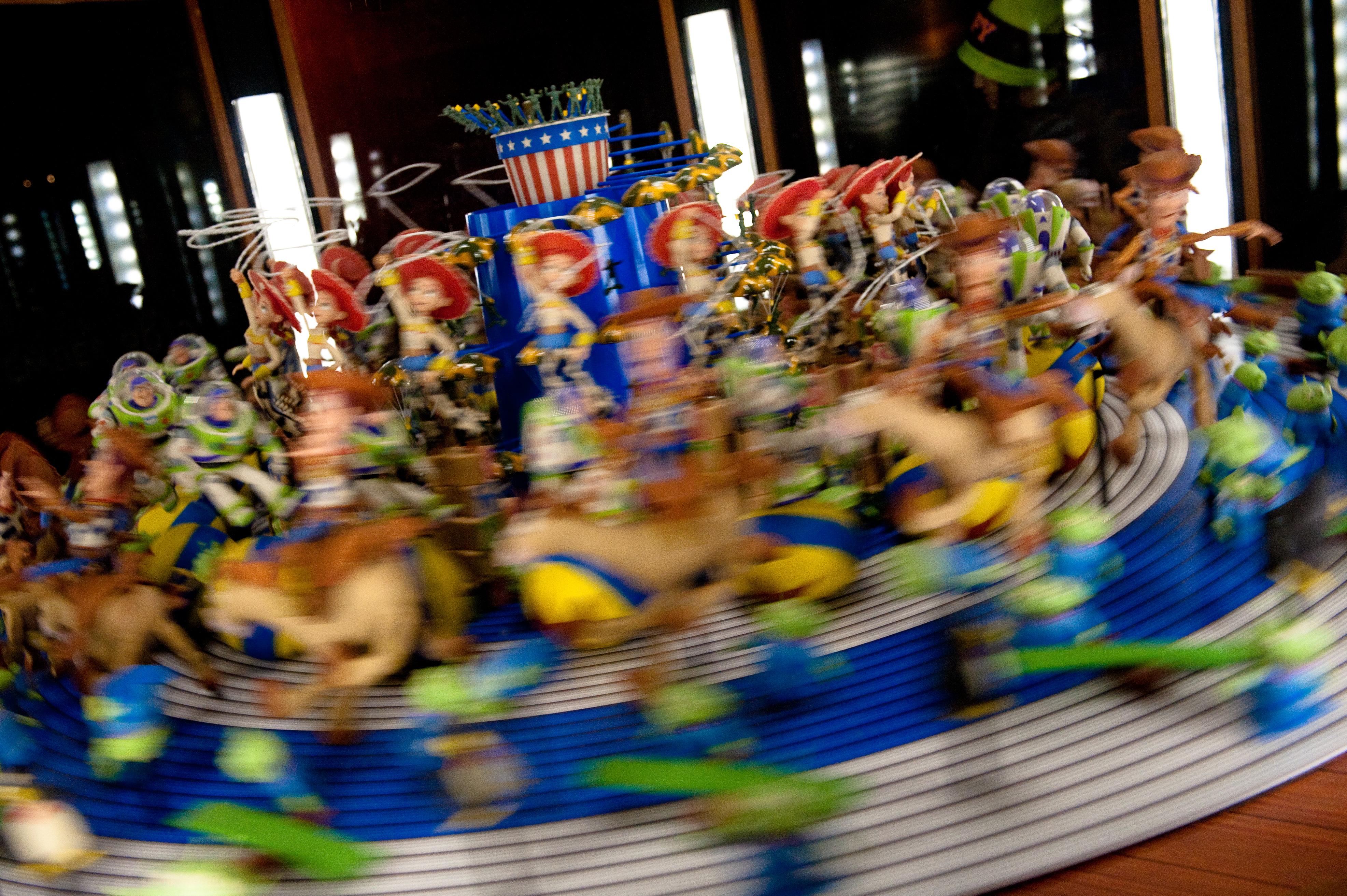 Toy_Story_Zoetrope,_Disney_California_Adventure_2