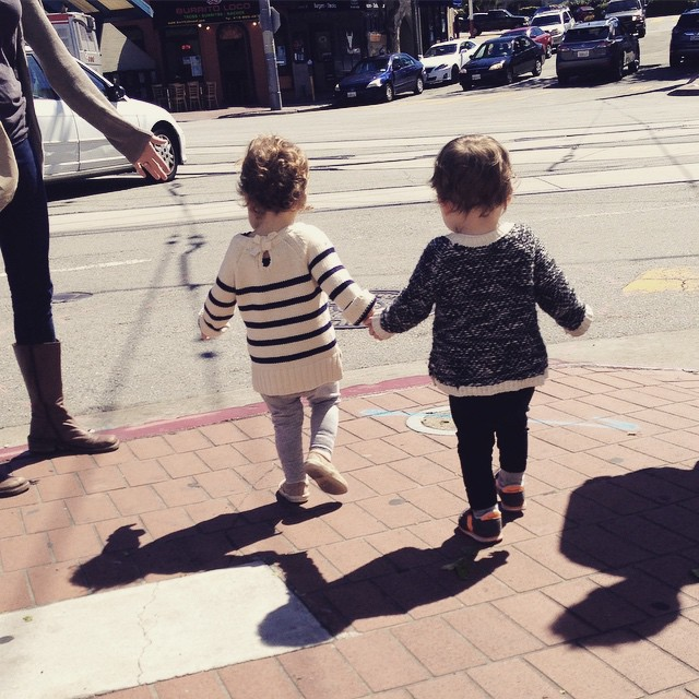 holding_hands_toddlers