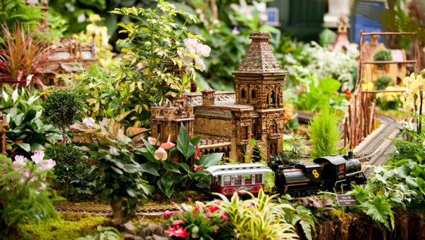 1445976129-New_York_Botanical_Gardens_Holiday-Train-Show-tickets
