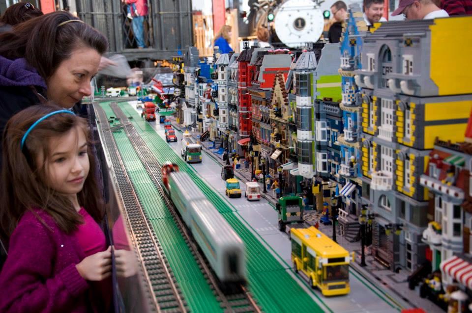 bano railroad legos