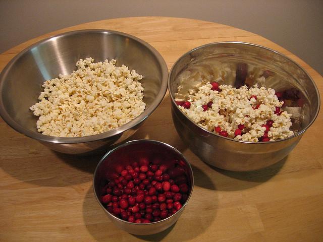 cranberry popcorn garland prep
