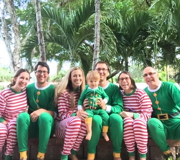 matching christmas pajamas cc Kate Sadoski