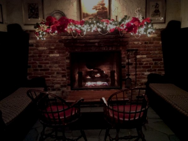 Tam O'Shanter in Atwater Village, Los Angeles, decorated for the holidays