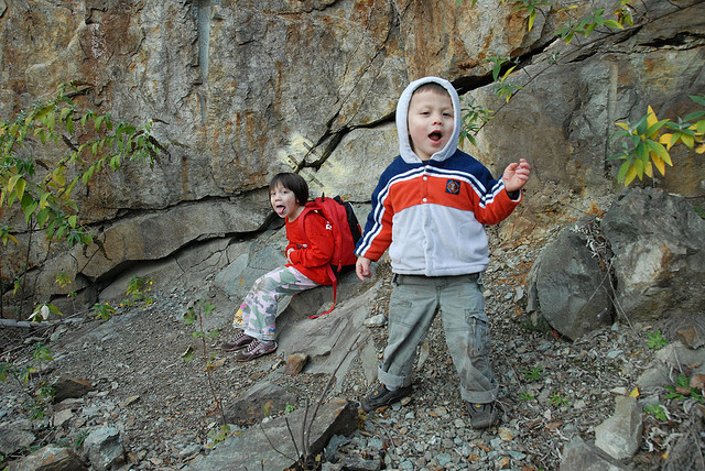 kids-hiking-credit