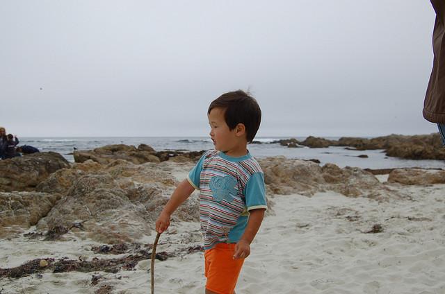 monterey bay beach kid