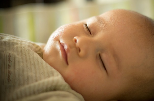 Baby sleeping-Pedro Serapio-flickr