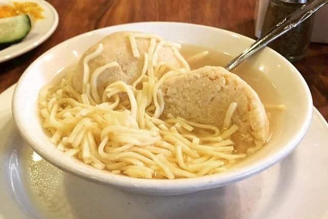 Nate 'N All Deli Matzo Ball Soup