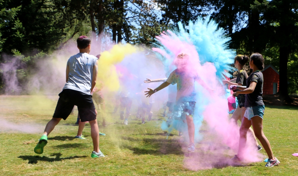Don't miss out on Tualatin's newest fun run for kids ages 6-15! The Blender Dash will include a mix up of everyone's favorite themed runs, including color, foam, mud, obstacles, and zombies (ages 10-15 only)! Every participant will receive a pair of sunglasses plus a Blender Dash bandana. Make sure to wear clothes and shoes you don't mind getting dirty as no one will come out of this clean!