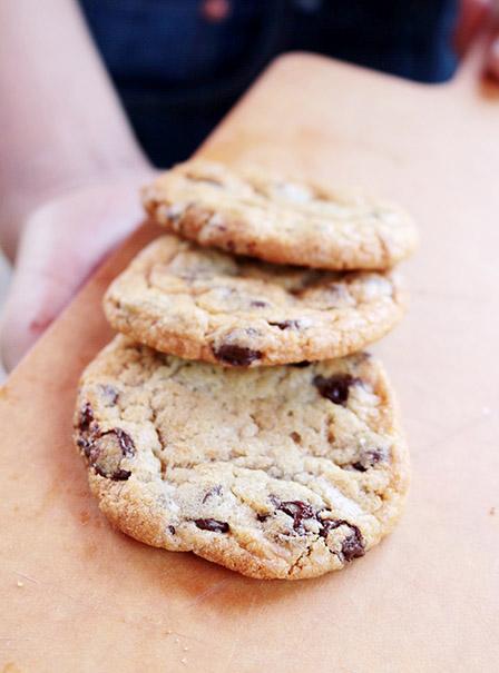 LYFE chocolate chip cookies_redtri