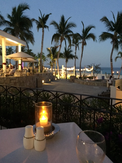 nightime restaurant dreams los cabos