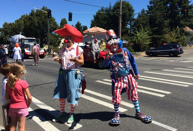 1-West Seattle Grand Parade 2015