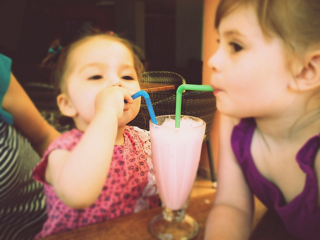 girls with milkshake