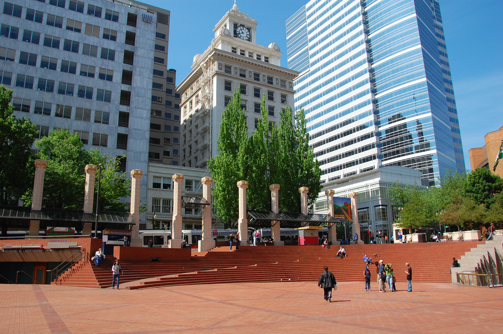 Pioneer Courthouse Square Portland-LWYang-flickr