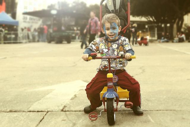 Tricycle boy deco Jonathan Silverberg Flickr CC