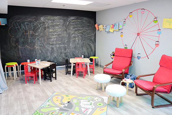 wund3rkid parent lounge and art area