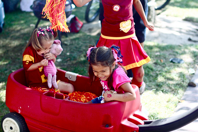 tailgating wagon kids