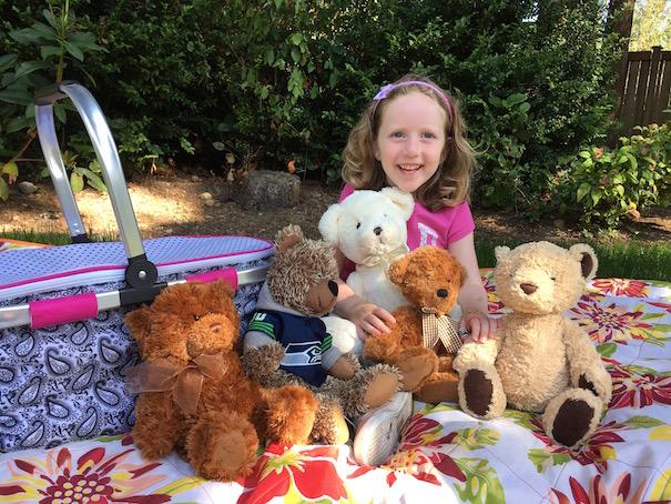 girl with teddy bear pincic