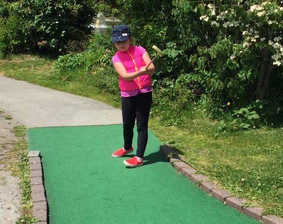 put-put golf, golf, Interbay Golf Seattle, Seattle, kids, kids golf, kids golf lessons, golf lessons