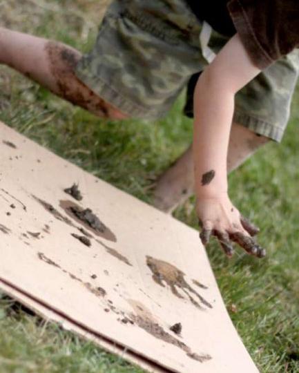 mudprints_handsonaswegrow