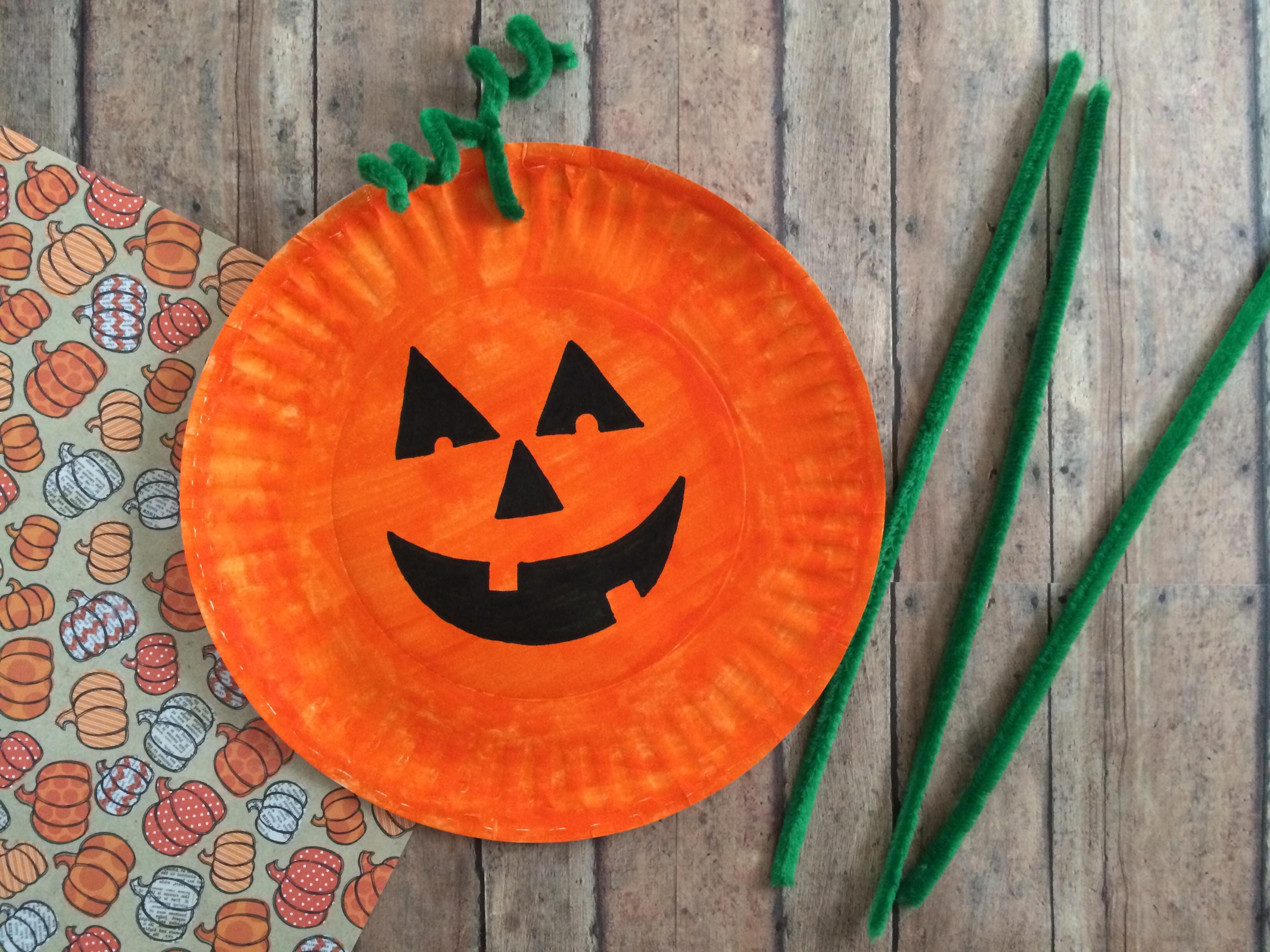 the-simple-parent-pumpkin-paper-plate