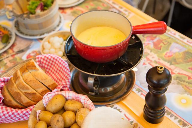 cheese-fondue-photo-by-norio-nakayama-via-flickr-creative-commons