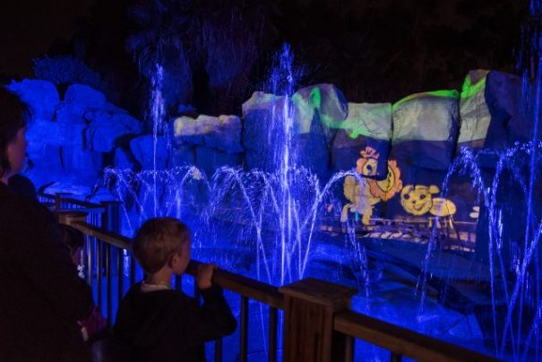 Zoo Lights waterfall 3D animation