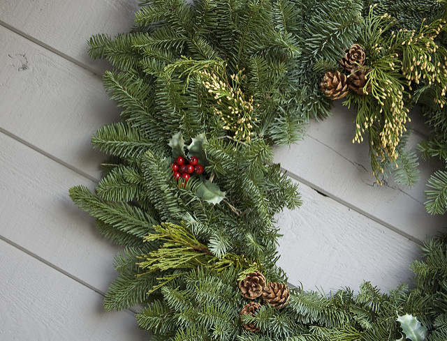 evergreen wreath holiday christmas