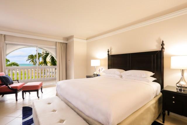 hyatt-ziva-rose-hall-p013-1-bedroom-ocean-view-butler-suite-adapt-640-800