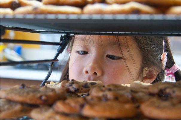 girl-looking-at-cookies-cc-steven-yeh-via-flickr