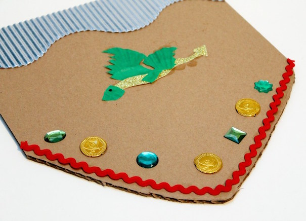 dragon-sheild-in-the-playroom-website