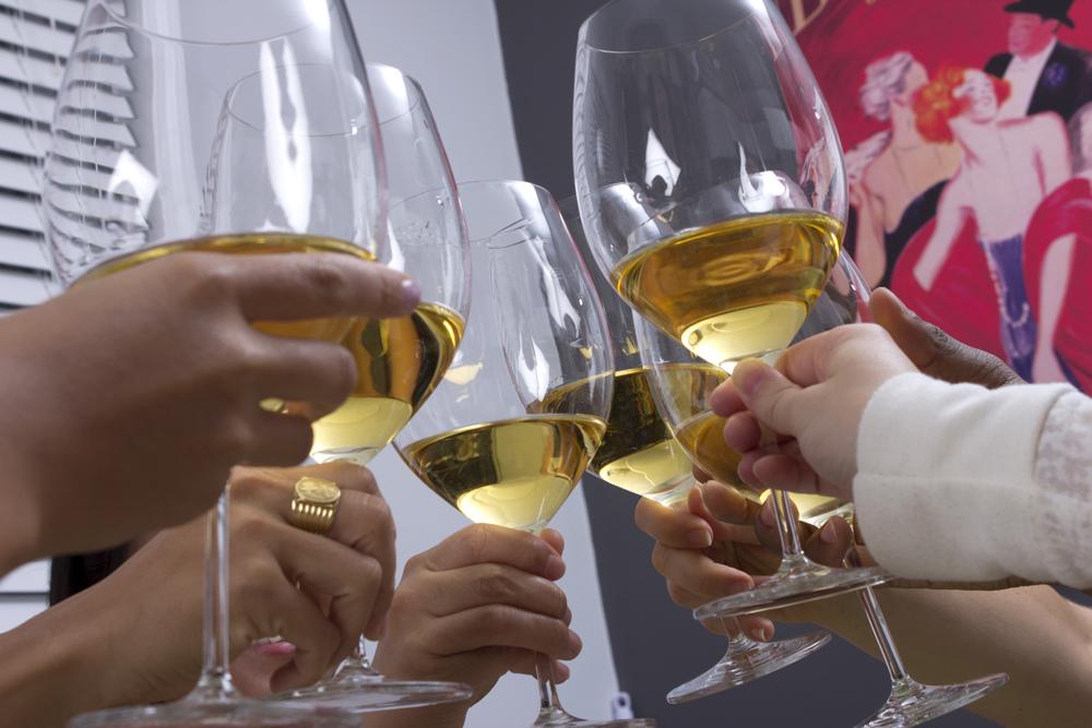 wine-cheers-cc-flickr-dinnerseries