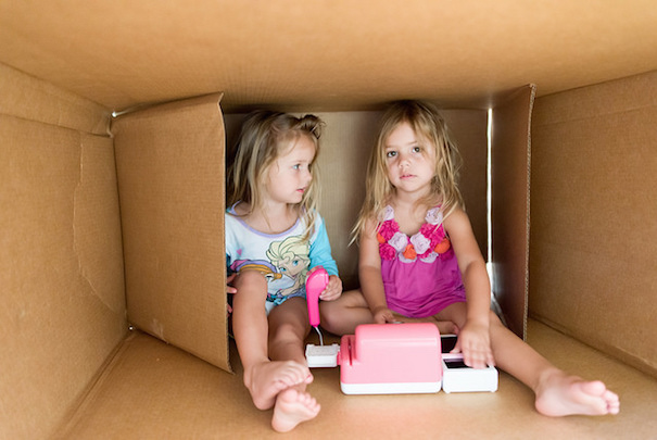 2-girls-box-play-donnie-ray-jones-flickr