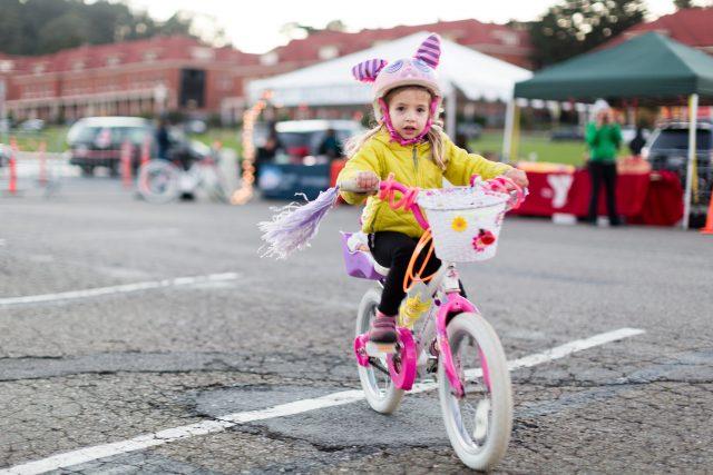 family-bike-parade-photo-credit-charity-vargas
